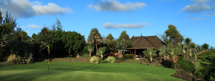 18th hole with view on langers bar and grill ile aux cerfs golf club mauritius