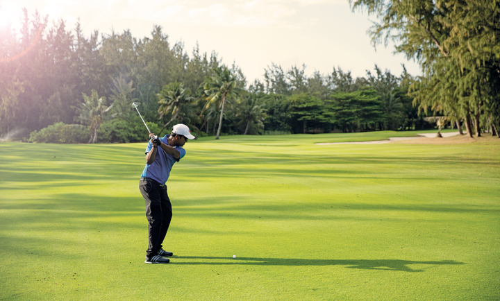 Free golf intiation at Ile aux Cerfs